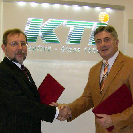 2008_KTI-együttműködési-megállapodás